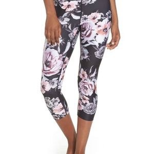 Zella black Classic Floral Cropped (*SOLD OUT) NWT